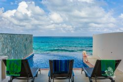 Your-own-Caribbean-paradise-where-you-feel-like-you-are-in-the-Caribbean-waters - Casa Música del Caribe